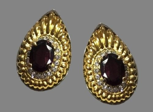 Claire de Lune Earrings of gold tone, crystals
