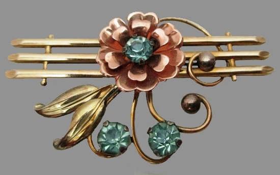 Floral design gold filled blue rhinestone brooch