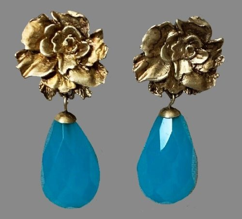 Gold tone rose turquoise glass cabochon dangle earrings