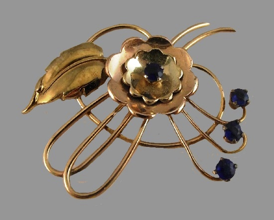 Gorgeous vintage brooch flower design, 1930s, 10 K gold filled, blue stones