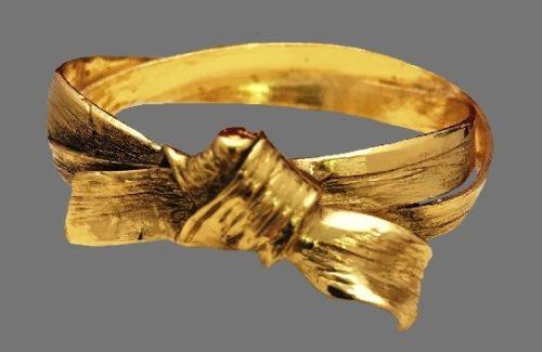 Knot ribbon Bangle Bracelet of gold tone