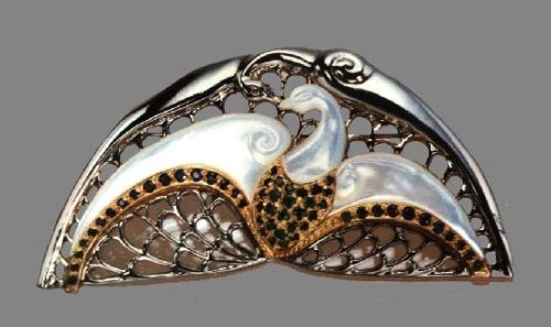 Le chant du cygne brooch. Sterling silver, gold, emeralds, sapphires, mother-of-pearl