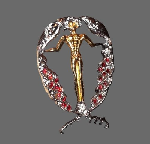 Letter Q brooch. Sterling silver, gold plated, Swarovski crystals