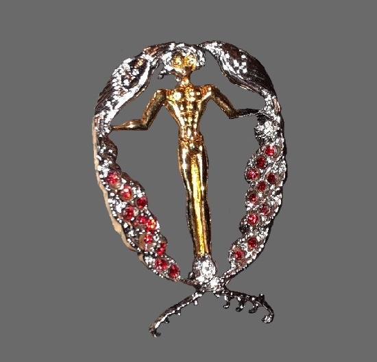 Letter Q brooch. Sterling silver, gold plated, Swarovski crystals