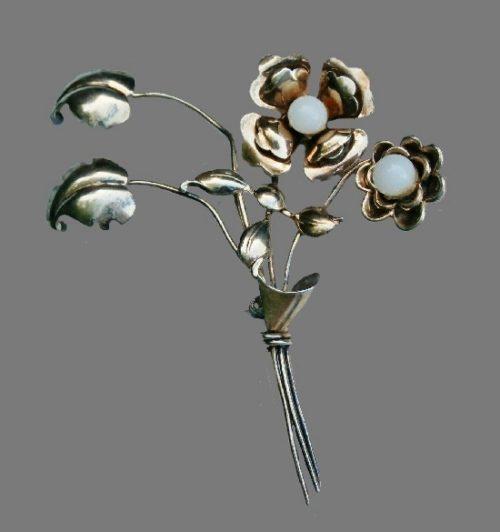 Marked HI vintage flower brooch. Sterling silver oxidized, white bead