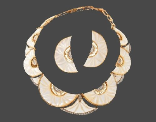 Mother-of-pearl, gold and diamond necklace and earrings