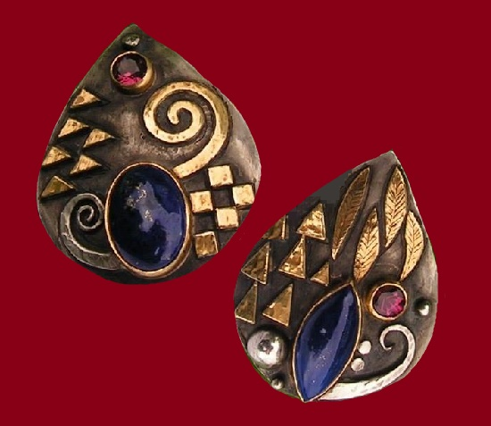 Pair of earrings-clips 2008. Silver, gold, lapis lazuli, rhodolite