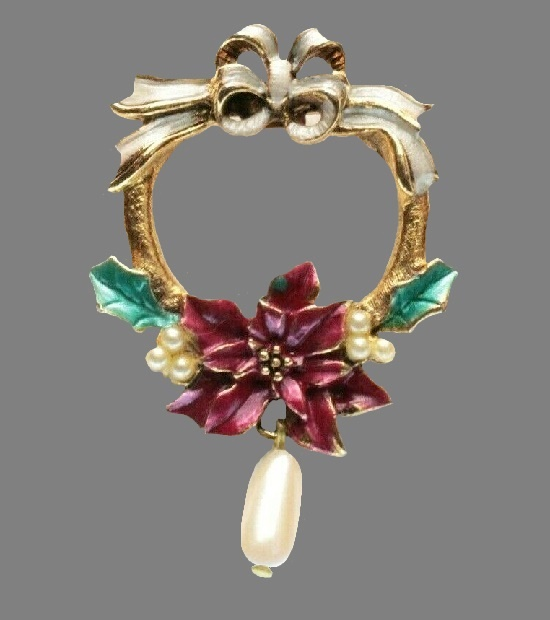Poinsettia Christmas wreath brooch. Gold tone metal, enamel, faux pearls. 1995