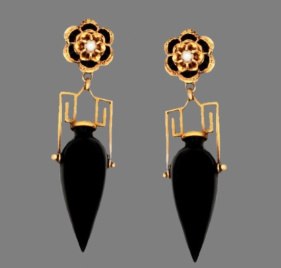 Retro 1950s earrings. 18 K gold plated, onyx, pearl