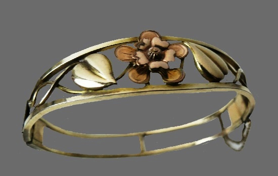 Rose gold filled bangle bracelet. 1950s