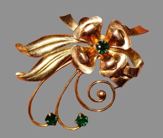 Vintage flower brooch. Sterling silver, 10 K gold, emerald rhinestone