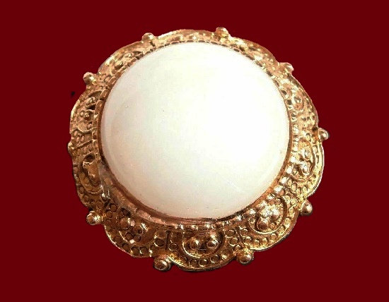 White cabochon gold plated round brooch