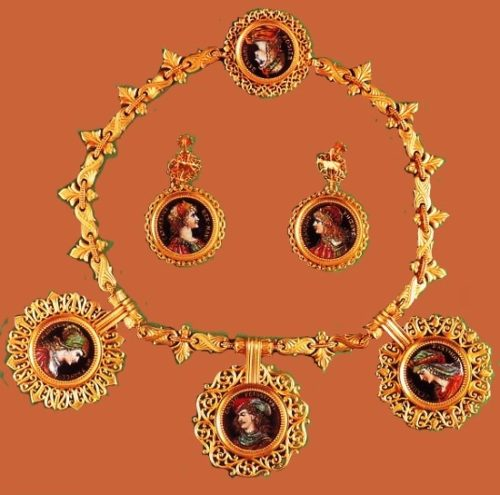 Antique portraits necklace and earrings. Framed portraits with monograms