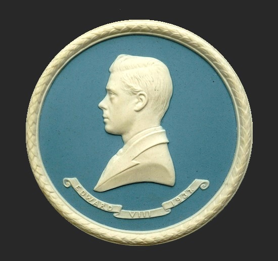 Bas-relief of Edward VIII (1894 - 1972) in profile, pendant. 1937