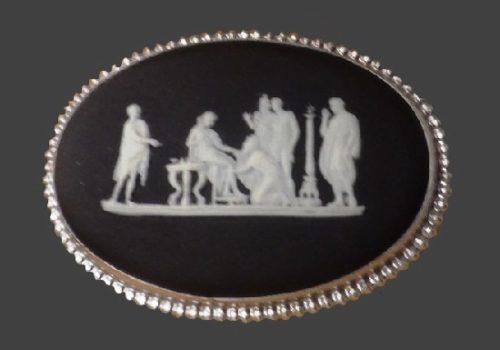 Black oval brooch. Sterling silver, porcelain. 1972