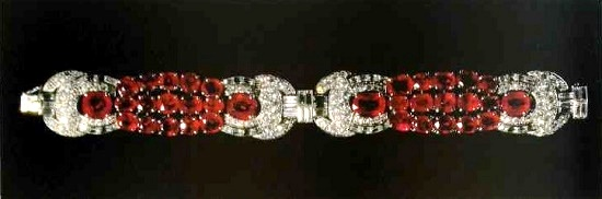 Bracelet with rubies and diamonds. 1930-1935. Paris