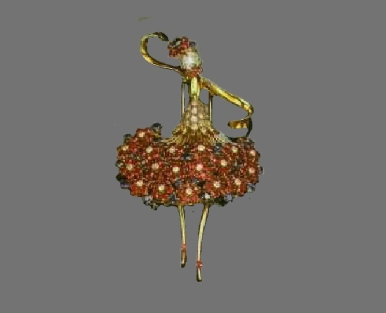 Brooch-dancer of gold with diamonds, rubies and sapphires. 1945