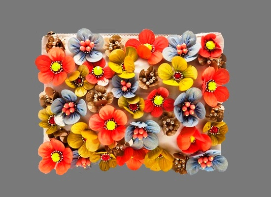 Colorful flower design bracelet