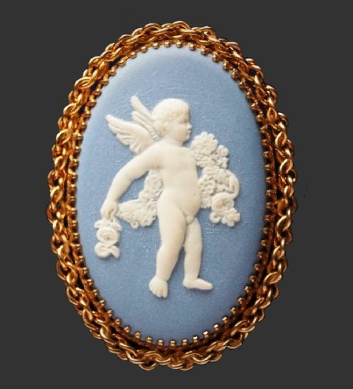 Cupid cameo brooch pendant, 12 K gold