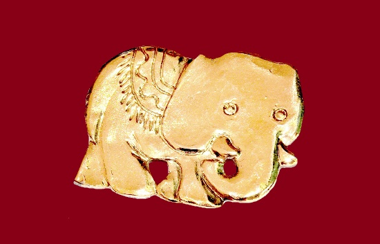Elephant gold tone pin brooch