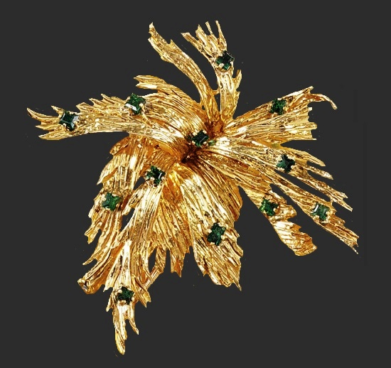 Emerald and gold brooch. 1960s
