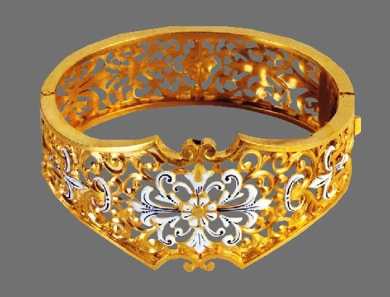 Gold open work bracelet