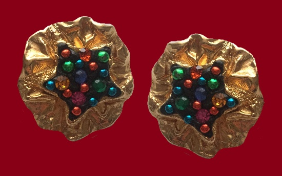 Matte gold clip on earrings. 4 cm. Glass beads, jewelry alloy. 1980s