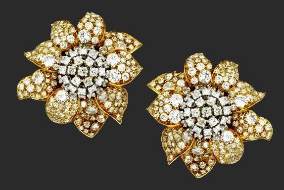 Pair of 18 Karat Gold, Platinum and Diamond Earclips