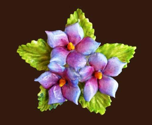 Pretty violets brooch. 4,5 cm. 1970s