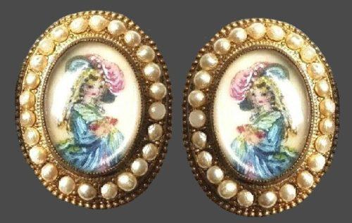 Crinoline Lady Earrings