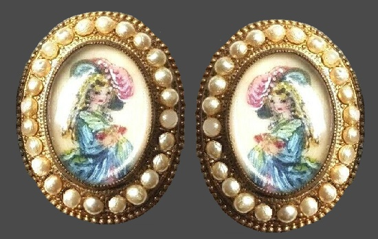 Crinoline Lady Earrings
