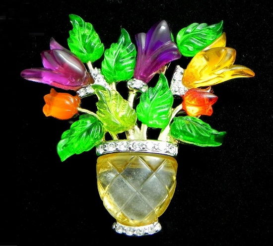 Flowers in a vase brooch. Jewelry alloy, lucite, acrylic resin, rhinestones. 5,5 cm. 1950s