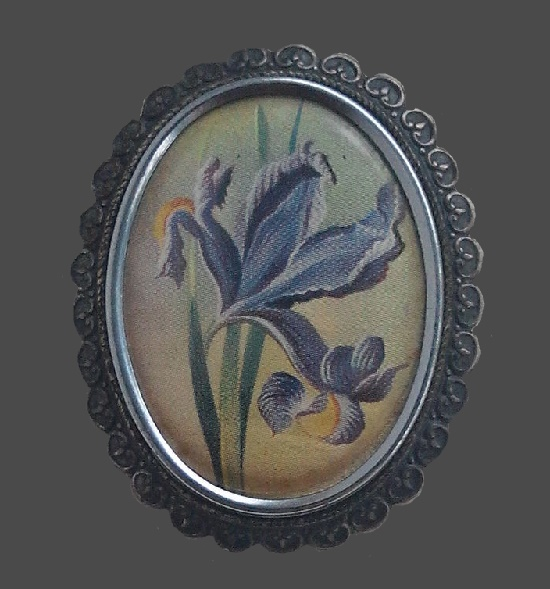 Irises brooch. Jewelry alloy, glass, print. 5 cm