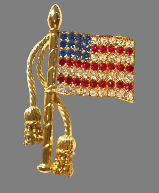 Patriotic Flag Brooch Pin. Gold tone metal, rhinestones