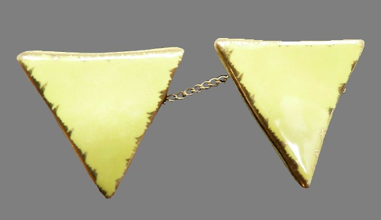 Triangle shaped double porcelain pin with chain