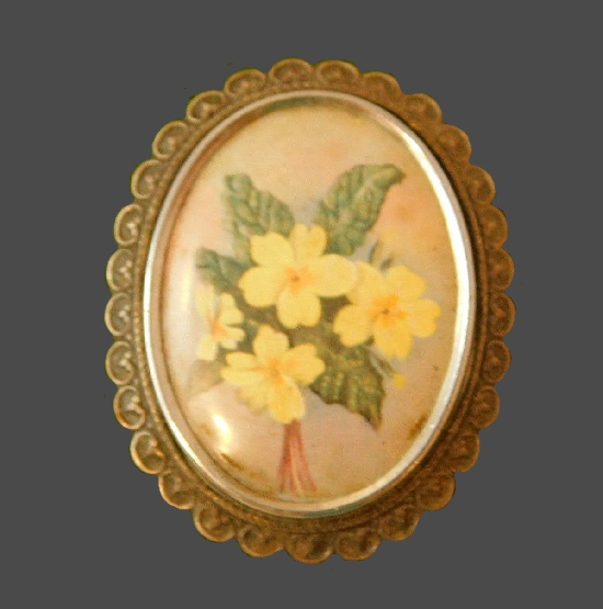 Yellow primrose brooch