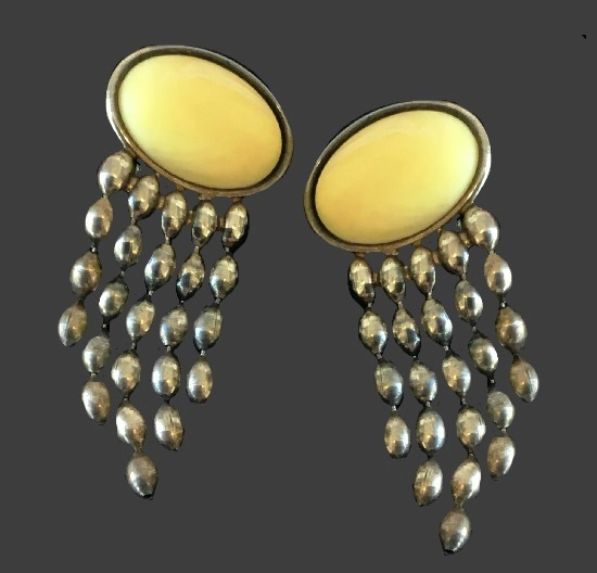 Cream cabochon silver tone dangle earrings
