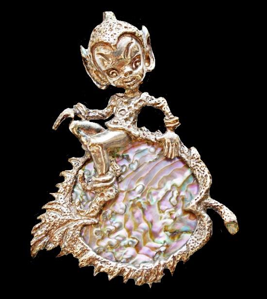 Elf vintage brooch. sterling silver, abalon. 5cm 1960s