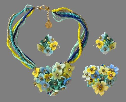 Gorgeous set of flower clips, brooch and necklace. Turquoise, yellow green, blue enamel
