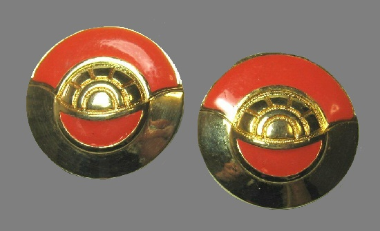 Red and black round shaped earrings. Gold tone,enamel