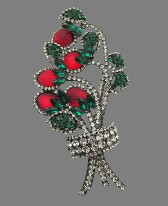 Red strawberry bunch brooch with rhinestones, 15 cm