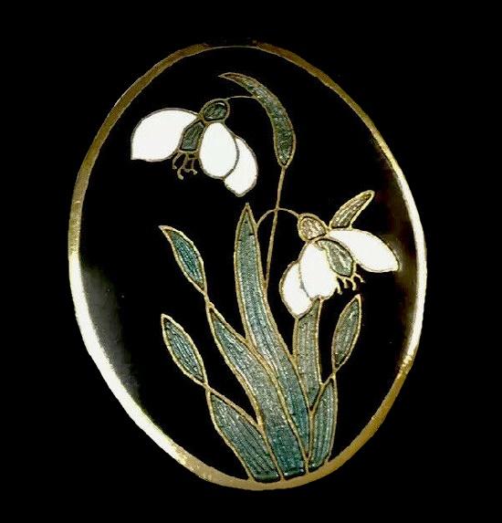 Snowdrops brooch. 1970s. Gold tone metal, cloisone enamel, 7 cm
