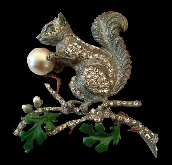 Squirrel brooch, before 1050. Silver tone metal, faux pearlsm crystals, enamel.