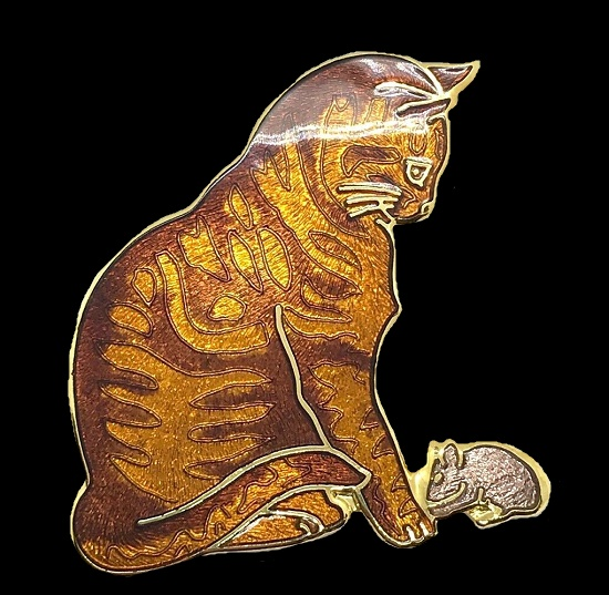 Tabby Ginger Cat With Mouse brooch pin