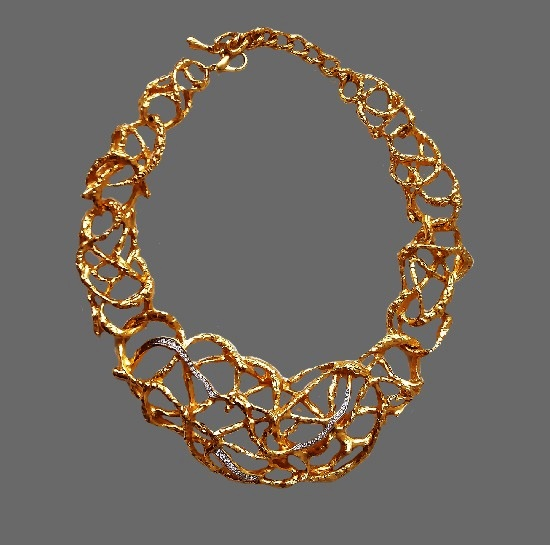 The treasured vine collection. 1990s statement necklace. Gold tone metal, 24 K gold