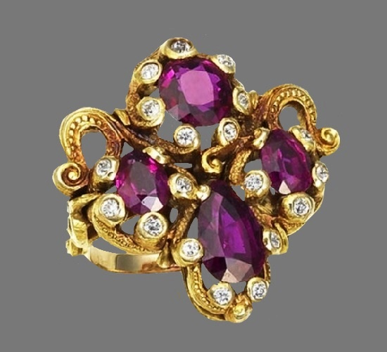 18 Karat Gold, Ruby, Diamond brooch, circa 1900