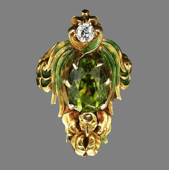 1904 Ring, green enamel, peridot and diamond