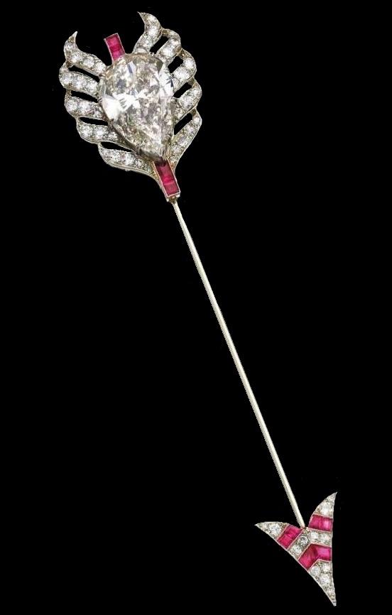 Arrow pin. Diamonds, rubies