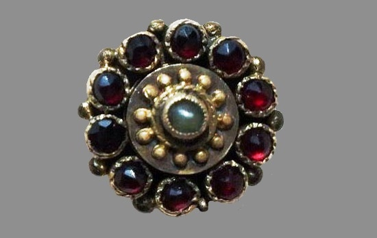 Art Deco garnet and pearl ring