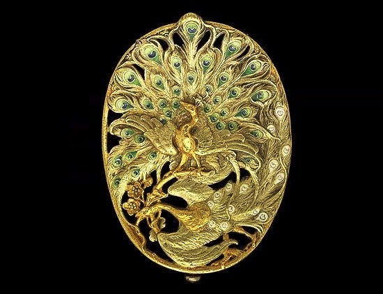 Belt buckle with peacocks, circa 1900. Gold